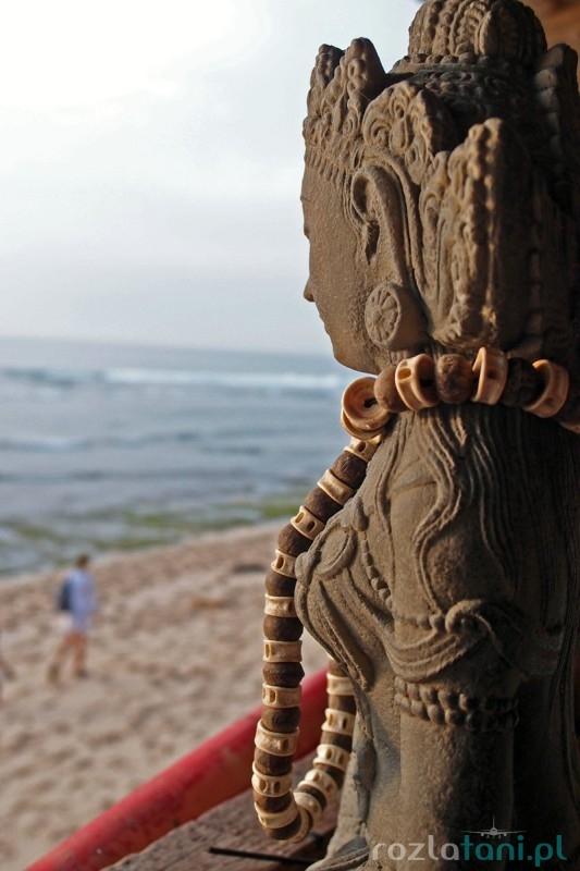 Bogini na balijskiej plaży