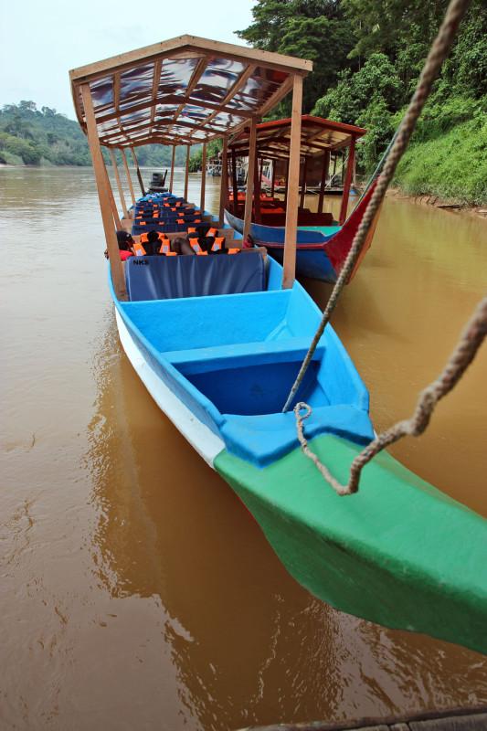 Kuala Tahan - łódka / fot. D.Stefaniak, rozlatani.pl